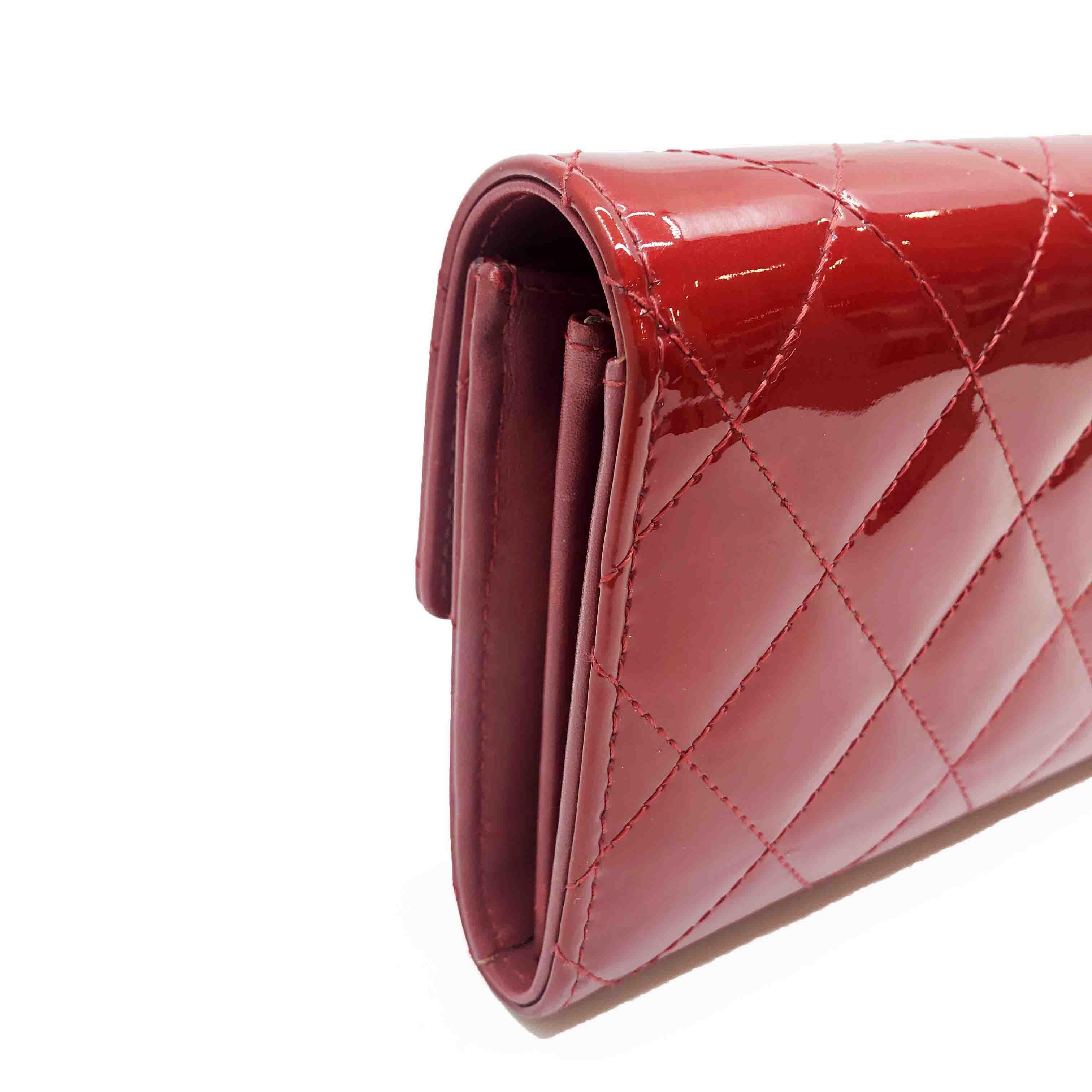 chanelの財布